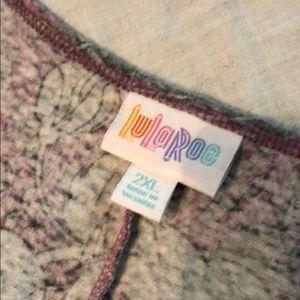 LuLaRoe Tops - LuLaRoe Perfect T